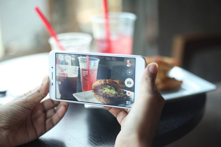 Smartphones to order meals: marketing apps