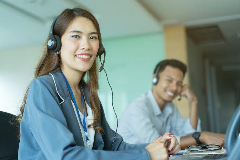 AI Chatbots Versus Real Customer Service Agents