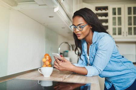 SMS Messaging vs. Messaging Apps