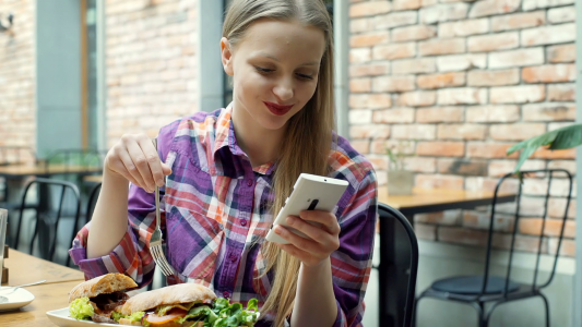 5 Reasons You Should Switch Business Texting Platform